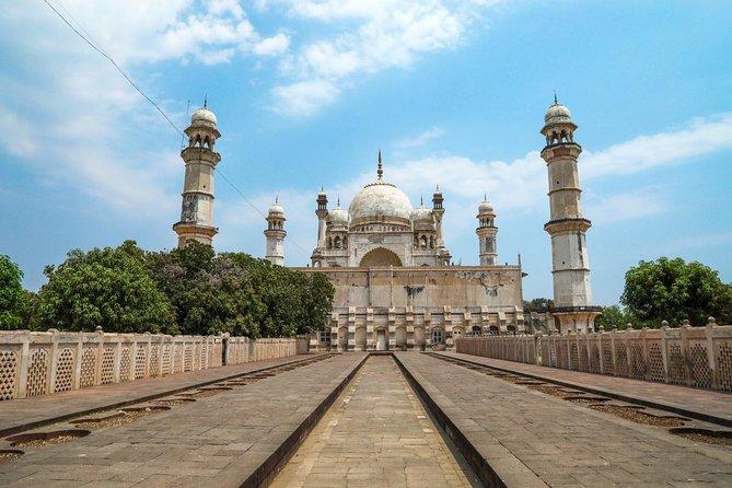 Aurangabad, Ellora, Grishneshwar Temple & Daulatabad Fort Sightseeing