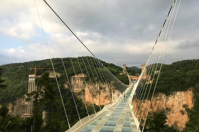 4 Days Zhangjiajie Exciting Tour with Glass Bridge (Hand-picked Featured Inn)