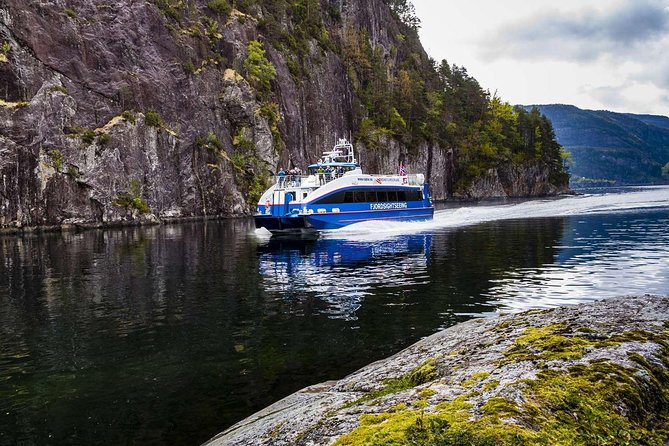 Mostraumen and Osterfjord Cruise - Round tour from Bergen