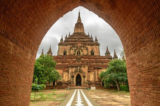 Amazing Bagan Temples Day Tour