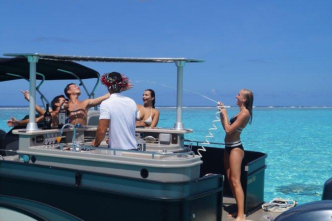 Toa Boat Bora Bora Moana Lagoon tour experience and Entertainer Bar Boat