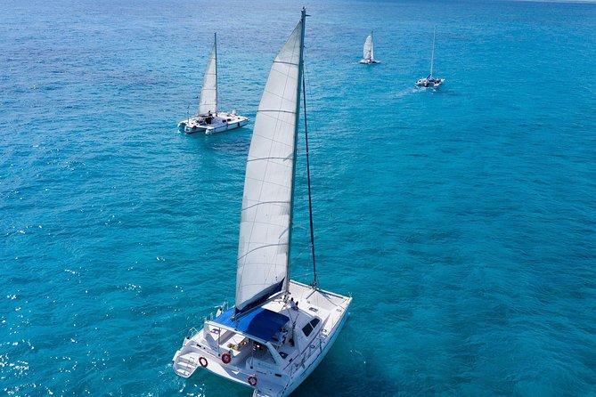 Isla Mujeres Sailboat Experience