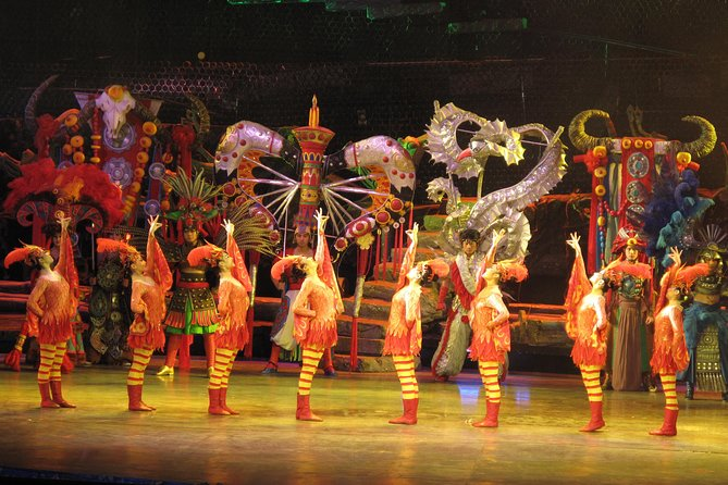 Private Afternoon Tour: Silk Market, Acrobatic Show & Peking Duck Dinner