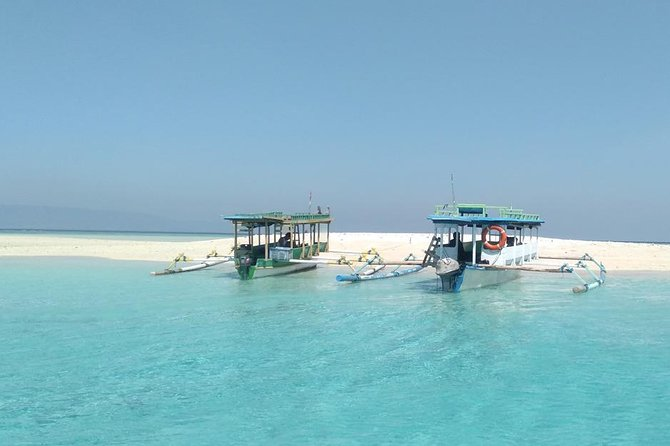 Snorkeling Trip and East Lombok Full-Day Private Tour