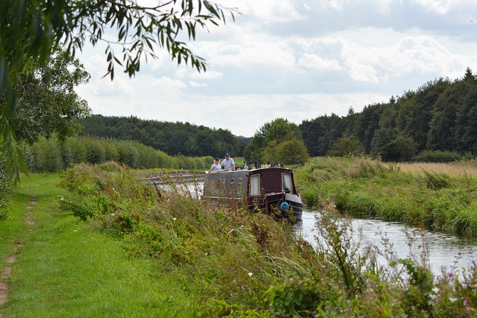Guided Nottinghamshire Walk with 'Posh Picnic'