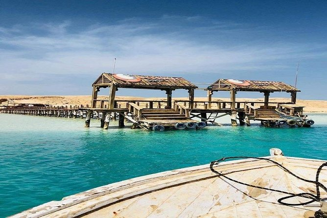 From Luxor : Utopia Island Royal Snorkeling