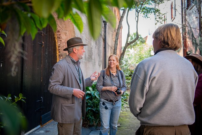 Charleston's Hidden Alleys & History Guided Small-Group Walking Tour