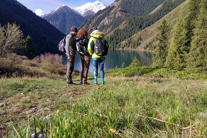Journey to the Pearl Lakes, Private Tour of 2 Days