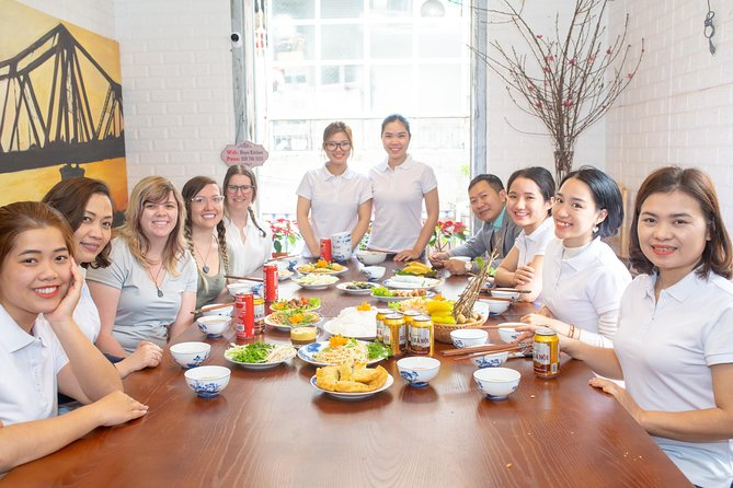 Fresh 5-Course Vietnamese Cooking Class with Market Tour