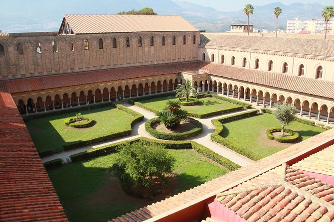 Monreale, Bagheria (Villa Palagonia) and Cefalù from Palermo, Private Tour