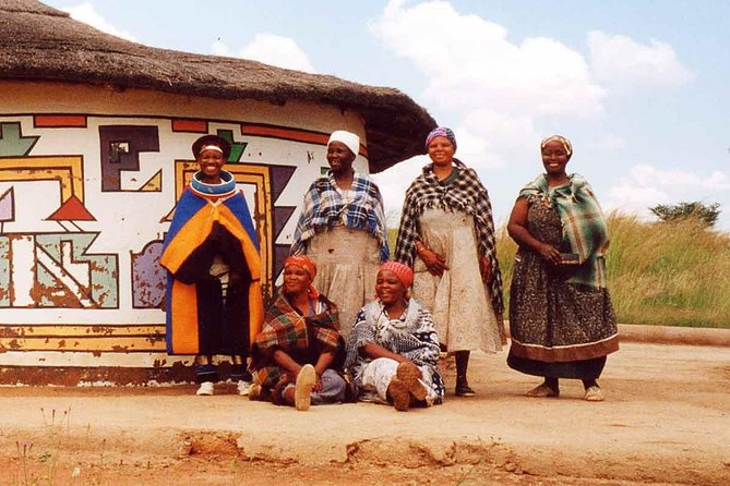 Private 3 Hour Victoria Falls Village Tour With a Village Guide.