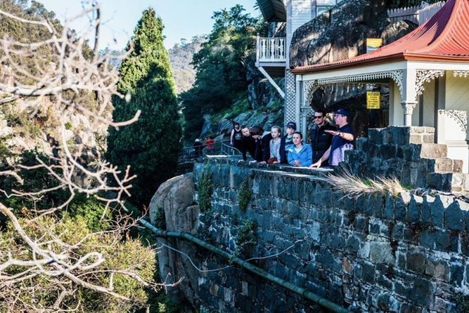 3.5 Hours Walking Tour to Cataract Gorge with Local Guide