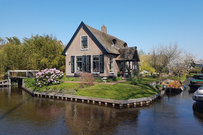 Small-Group Giethoorn Day Trip from Amsterdam with Mercedes Pickup and Drop off