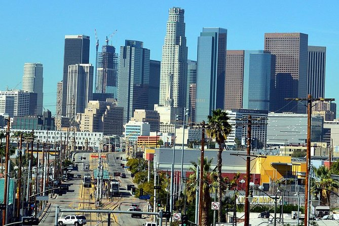 Los Angeles Airport Transfer: Airport LAX to Los Angeles in Business Car