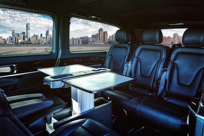 Arrival Private Transfer: Las Vegas Airport LAS to Las Vegas in Luxury Van
