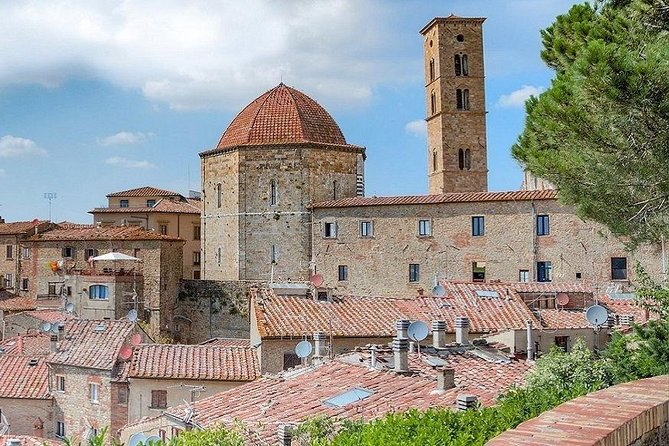 Transfer from / to Pisa to / from Volterra
