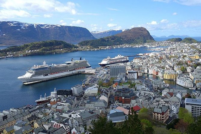 Ålesund (AES) to City Center to Airport - Private Transfer
