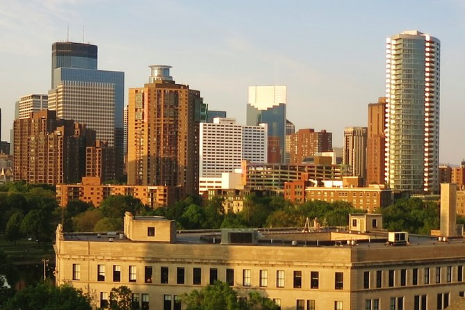 Walking Minneapolis Downtown & Skyways Private Tour (2 hrs)