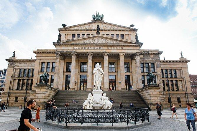 Berlin Highlights Private Virtual Drive Through City