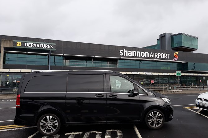Shannon Airport To Lough Rynn Castle Estate Private Chauffeur Transfer