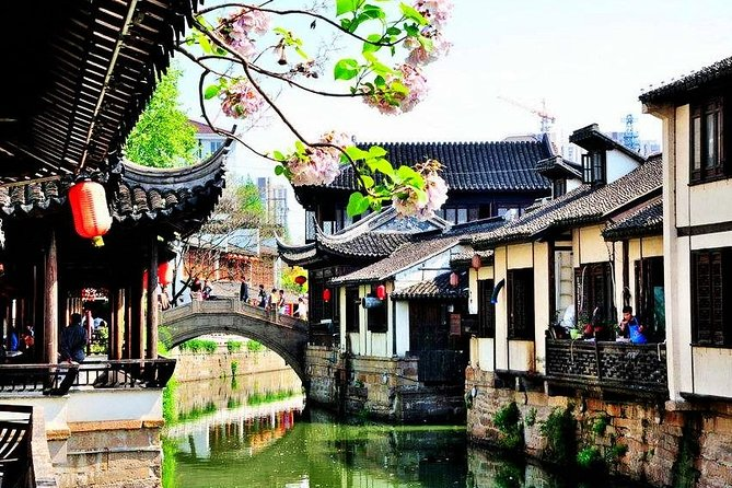 4-Hour Nanxiang Ancient Town Private Tour with Dumpling Tasting