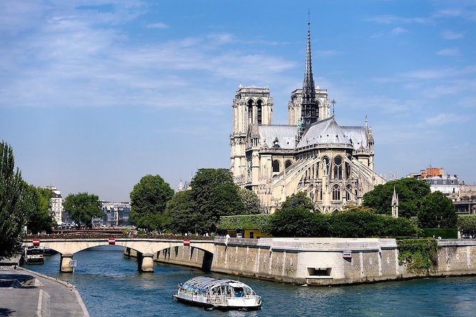 1 Hour Real time Virtual Tour in Paris
