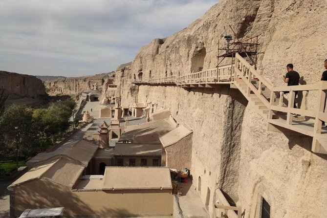 Dunhuang Private Day Tour to Yulin Caves, Suoyang City Ruin, Sun of Earth Statue