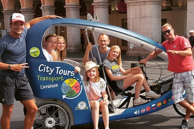 Nice Sightseeing Pedicab & Multilingual Private Tour with a Local Guide - 40min
