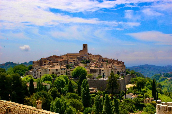 Private St. Paul de Vence, Tourrettes, and Gourdon Tour from Nice