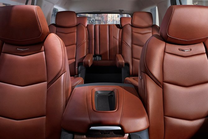 Arrival Private Transfer: San Diego Airport SAN to San Diego in Luxury SUV