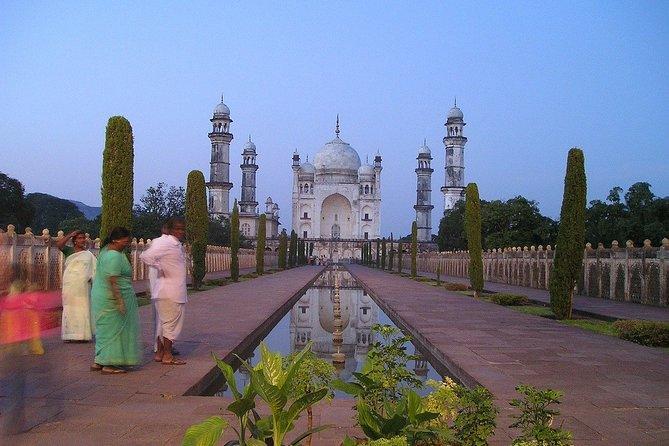 Romantic tour in Aurangabad