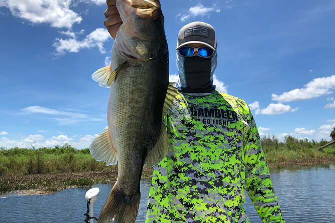 Private Pontoon Fishing Charter on Lake Tohopekaliga in Florida (4 or 6-Hours)