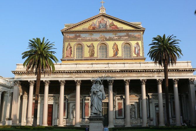Private Tour with guide & Luxury Car: Holy Churches of Rome