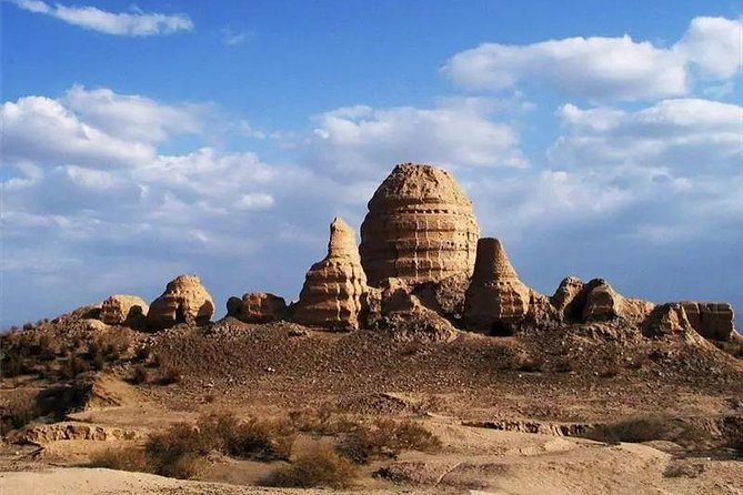 One Day Dunhuang Private Tour to Yulin Grottoes and Suoyangcheng Ruins