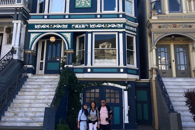 Private Guided Walking Tour of San Francisco Hippie District