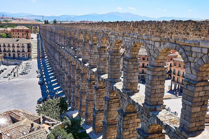 Touristic highlights of Segovia on a Private half day tour with a local