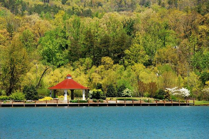 Kayak Tour at Lake Lure