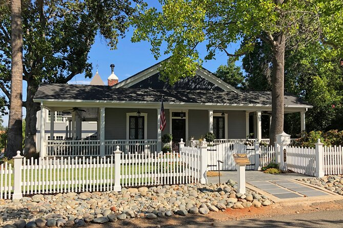 Historic Folsom: A Self-Guided GPS Audio Walking Tour around the Old Town
