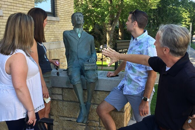 Walking F. Scott Fitzgerald's St. Paul Life & Homes Private Tour (2 hrs)