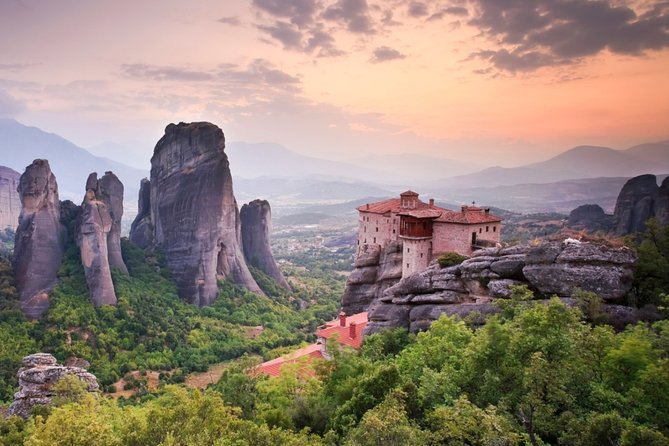 Meteora Half Day Tour (Pick you up from train station)