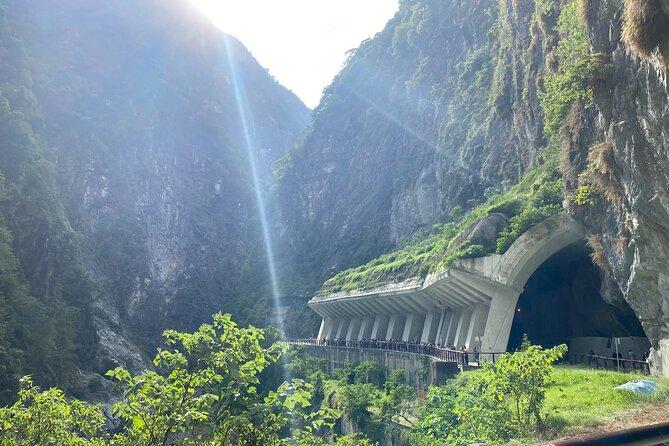 Private Tour: Taroko Gorge Day Trip from Taipei