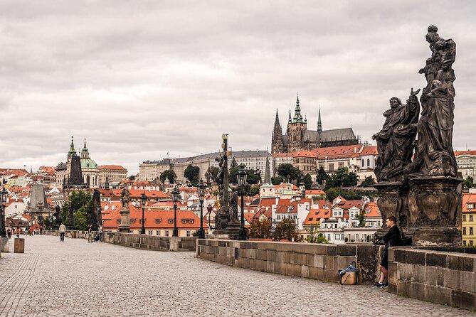 Skip-the-Line Prague Castle Ticket and Minibus Transfer
