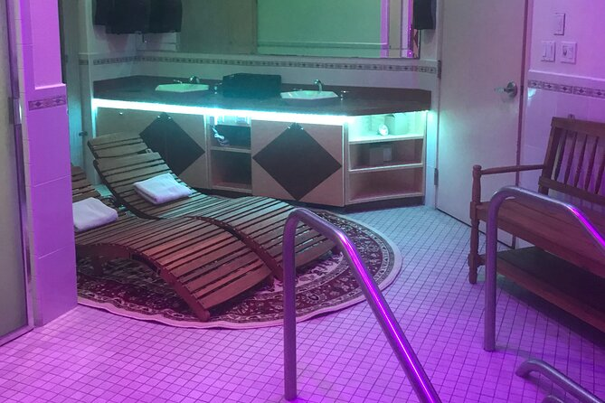 Couples Day Spa Jacuzzi and Sauna Package with 1 Hour Massage