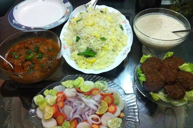 Lahore's Complete Night Food Tour: Local Culinary Experience