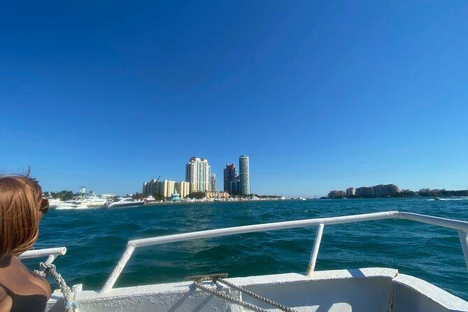 Miami Skyline: Happy Hour Sightseeing Sunset Cruise & Millionaire Homes