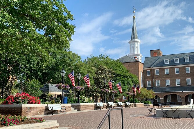 1-Hour Walking Tour of Old Town with Plenty of Laughs
