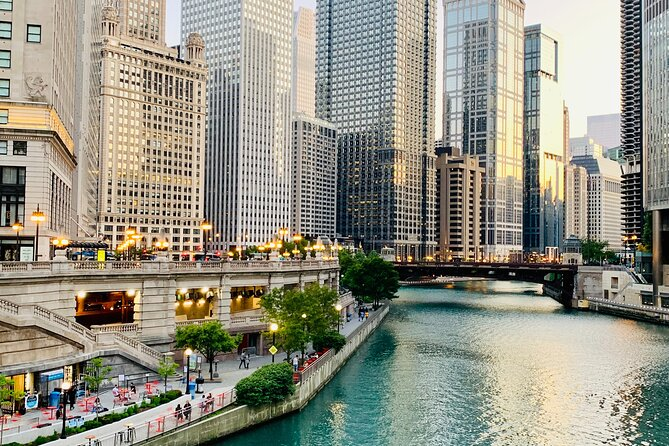 Private Chicago Tour with Driver and tour Guide. Hotel pick up included