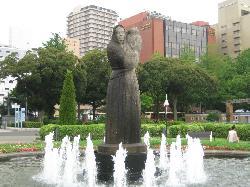 横滨的姐妹都市的雕像 (27109486)