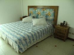 卧室的大床