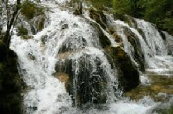 珍珠滩瀑布